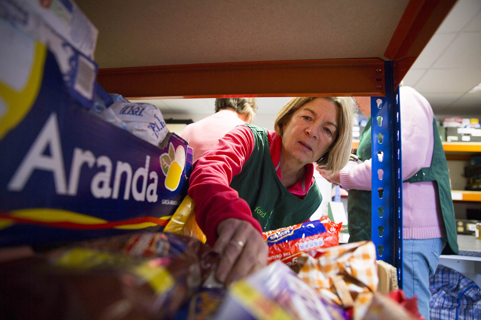 Fundraiser holds raffle for Widnes Foodbank